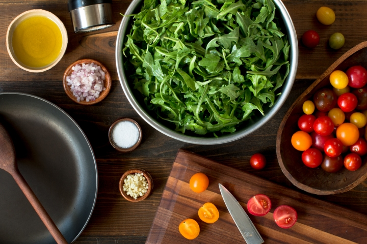 miz-for-sauteed-arugula-and-heirloom-cherry-tomatoes-1926-2