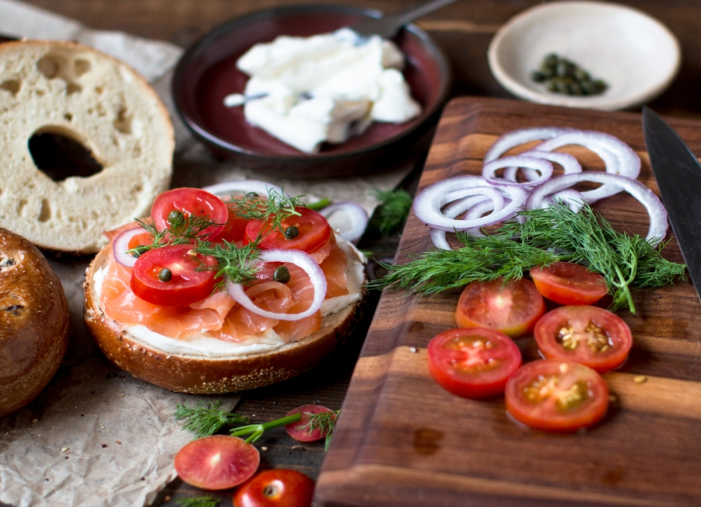 atlantic-salmon-gravlax-bagels-neufchatel-and-dill-3170-6