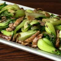 Baby Bok Choy and Shiitake Mushrooms in Oyster Sauce