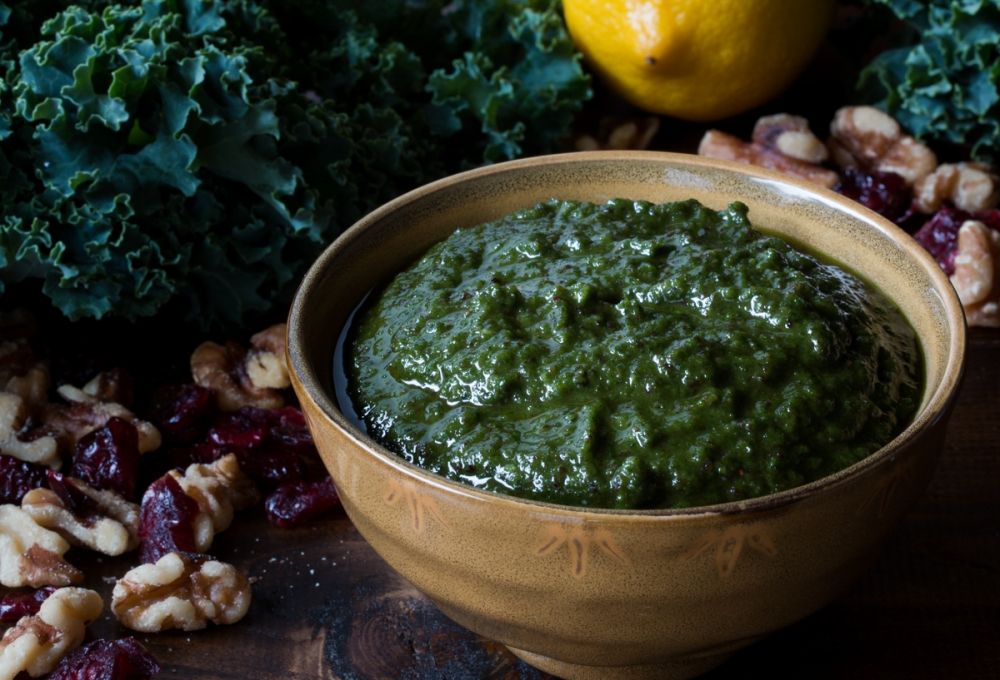 green-kale-pesto-with-cranberries-and-walnuts-4431-2
