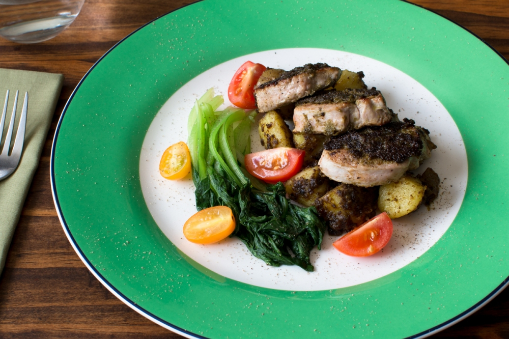 Green kale pesto with pan-fried potatoes, pork tenderloin, tatsoi, and cherry tomatoes-4770-2.jpg