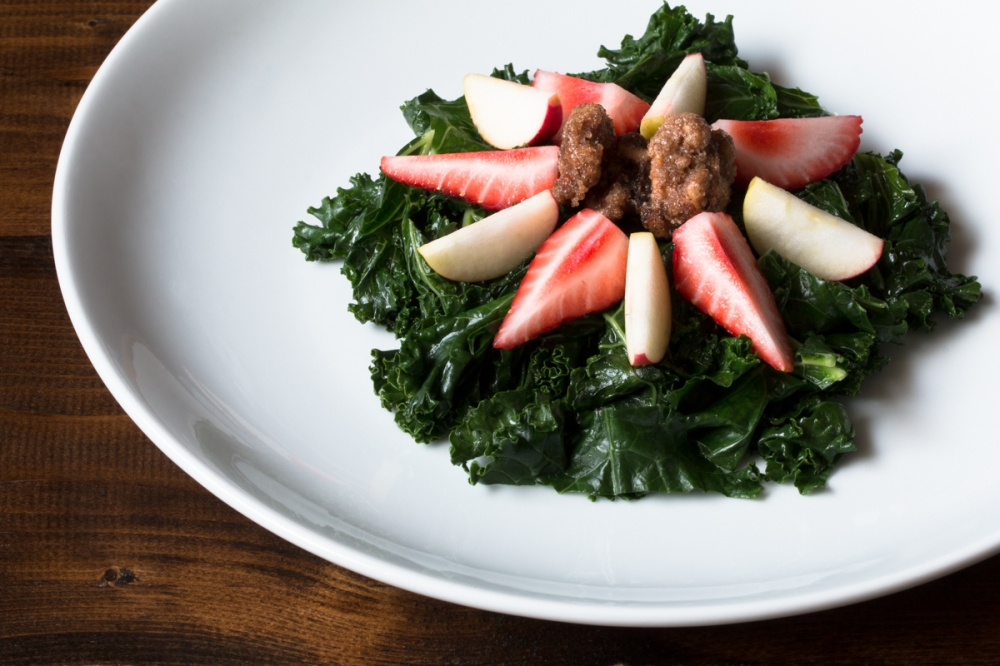green-kale-sauteed-in-coconut-oil-with-strawberries-lady-apples-and-candied-walnuts-4376-2