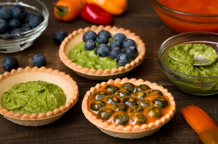 lettuce-leaf-pesto-and-blueberry-tart-with-sweet-pepper-glaze-6791-2