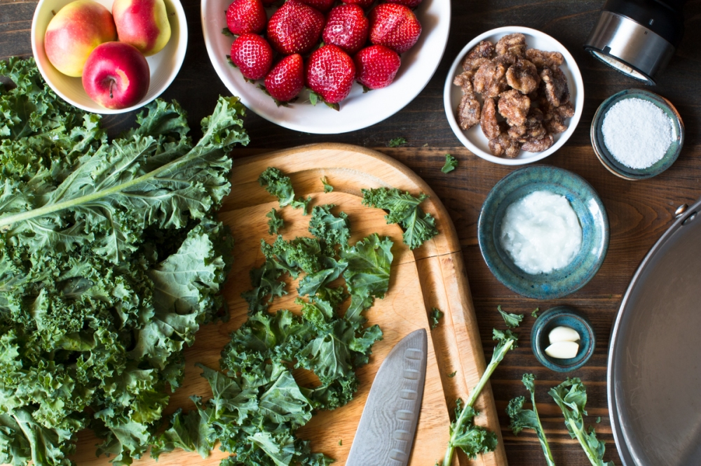 miz-for-green-kale-sauteed-in-coconut-oil-with-fresh-strawberries-lady-apples-and-candied-walnuts-4366-2