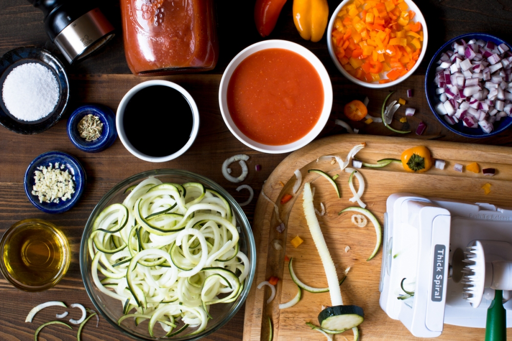 miz-for-zucchni-pasta-in-red-sauce-with-sweet-red-peppers-4818-3