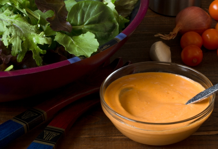 cherry-tomato-vinaigrette-with-mixed-baby-greens-lr-6889
