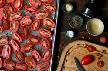 Oven roasted Roma tomatoes lr-7703