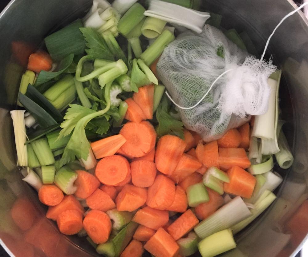 Veggie stock in the pot lr-1
