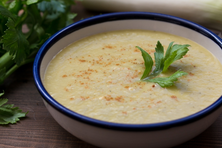 Celery and leek soup lr-8279