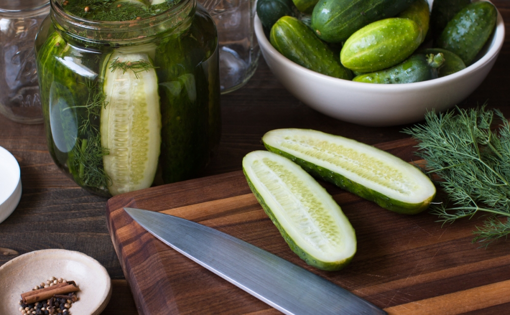 Lacto-fermented cucumbers lr-8181