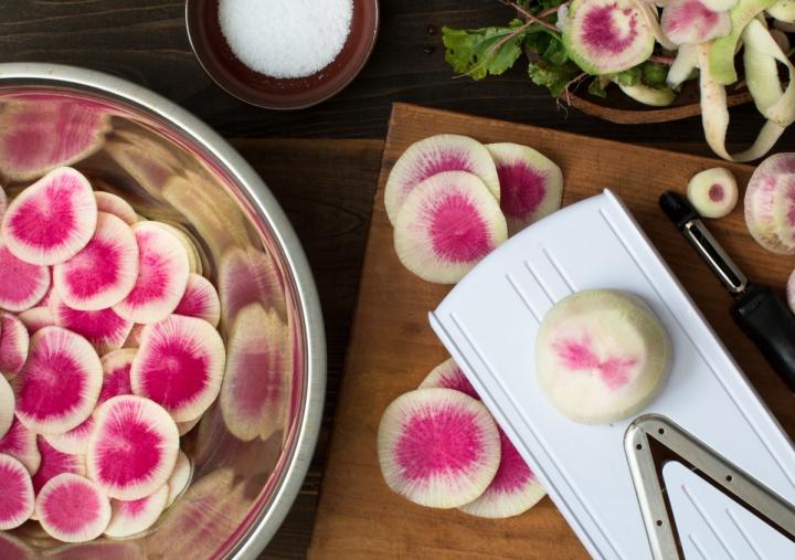 Lacto-fermented watermelon radishes lr-8233